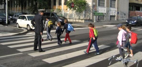 bambini_scuola_pedibus-2