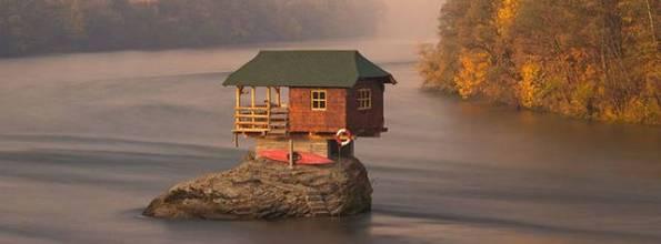 casa-isolata-sulla-drina